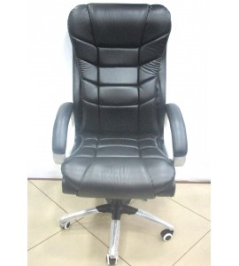 Boss Leatherette Cobra Chair 005